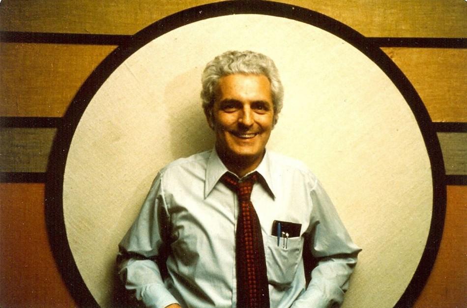 Bob-Moog-in-Circle-1974_sm