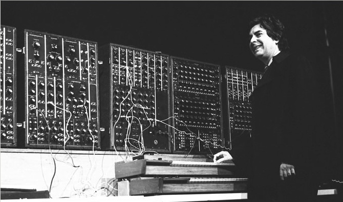 Paul Beaver with Moog Modular, 1968.