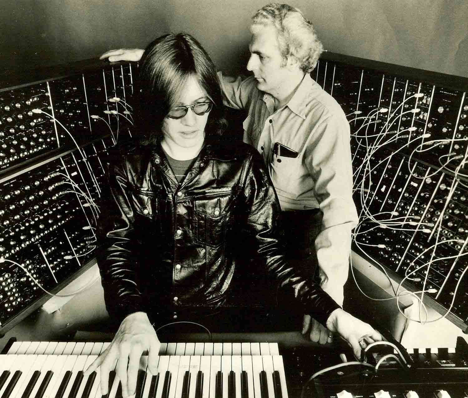 Roger Powell (keys Utopia, David Bowie) remembers Bob
