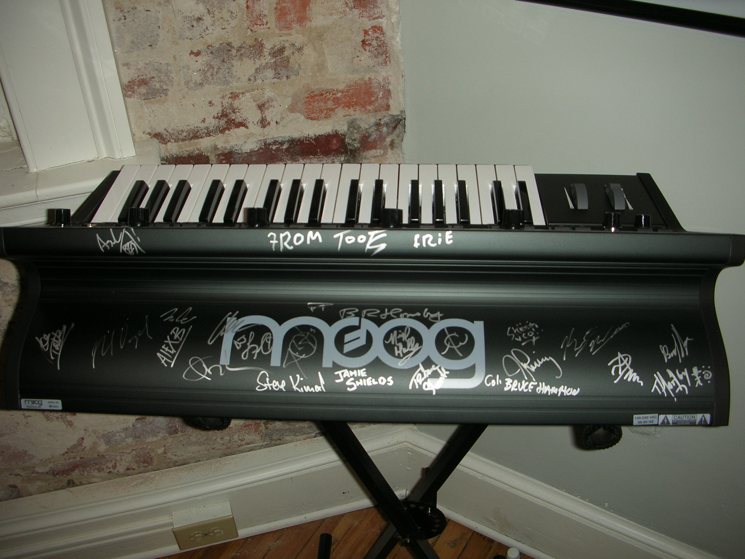 Place your bids now on a Little Phatty signed by Jam Cruise 10 artists including Bruce Hornsby and John Oates